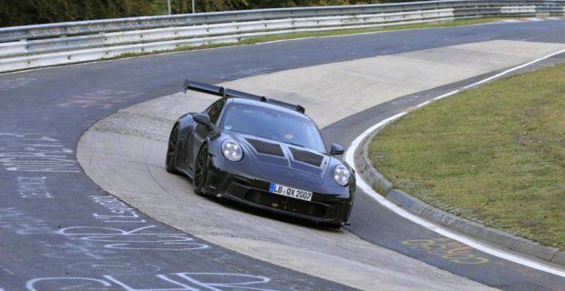 Porsche 911 GT3 RS Erlkönig geht in die Kurve