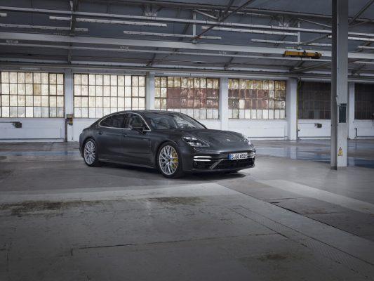 Porsche Panamera Turbo S E Hybrid mit 700 PS