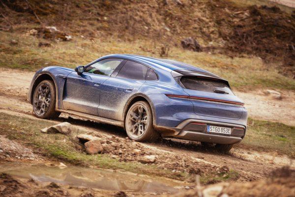 Fahrbericht Porsche Taycan Cross Turismo: Stromer auf Abwegen