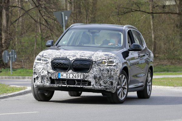 BMW iX3 Facelift Fotos