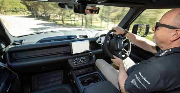 Land Rover Defender 90 V8