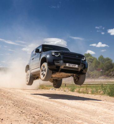 Fahrbericht Land Rover Defender V8: Bestes aus zwei Welten