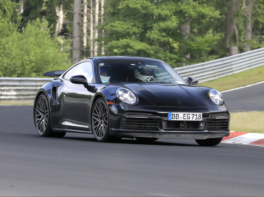 Porsche 911 Turbo Hybrid auf Testfahrten gesichtet