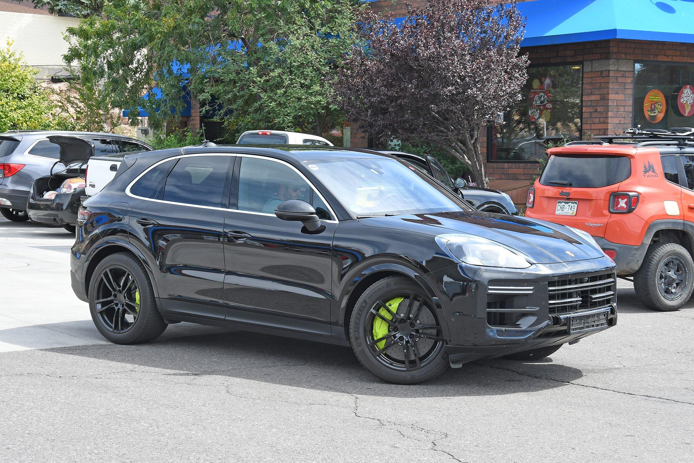 Porsche_Cayenne_Turbo_001