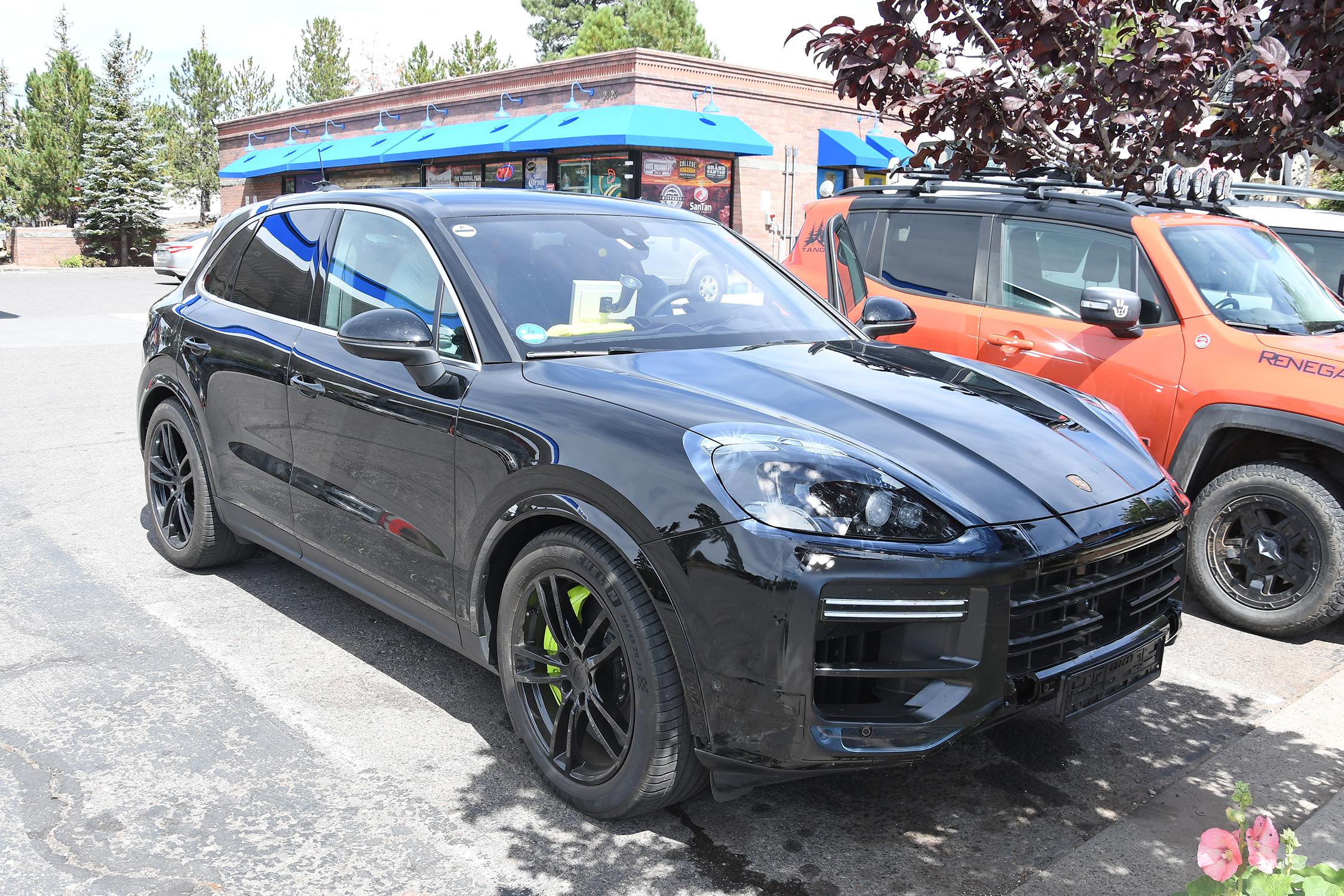 Porsche_Cayenne_Turbo_002