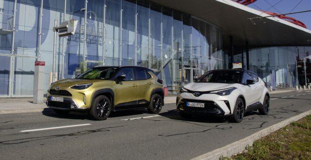 Toyota Yaris Cross und Toyota C-HR.